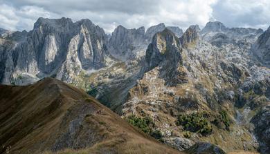 Az elátkozott hegyek szegfűi