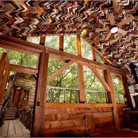 Családi ház újrafelhasznált anyagokból