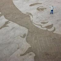 Gigantikus homok rajzok