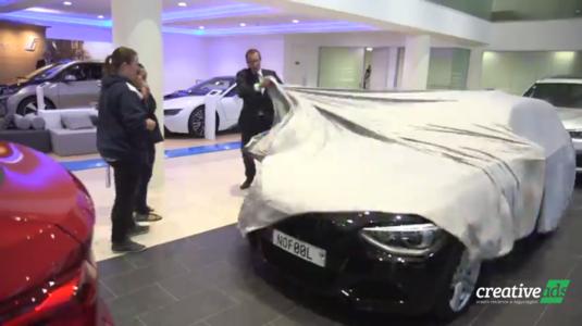 Áprilisi tréfából valóság, ingyen BMW-t kapott egy lány Új-Zélandon