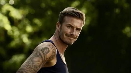 David Beckham egy szál fehérneműben