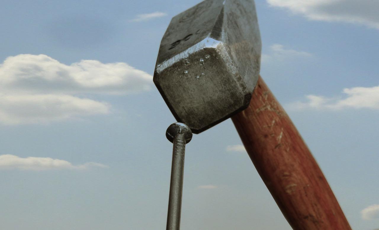 hammer-1502761_1280.jpg