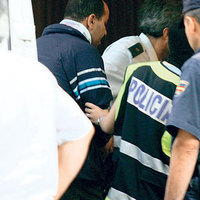 Nyilvános helyen, egy diáklány előtt maszturbált egy buszsofőr