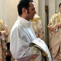 Húsklopfolóval verte agyon a kiugrott pap az őt zaklató asszonyt