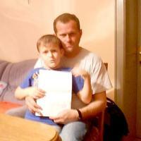 9 éves agydaganatos fiút vert meg egy plébános a hittanórán?