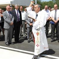 Uzsorázással vádolják az adományozókat listázó papot