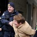 Egy rendőr mellé feküdt be részegen az ágyba egy vadidegen férfi