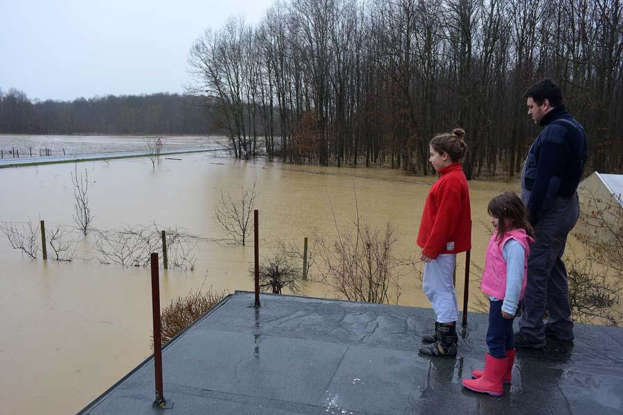 vrbovec_poplava2-1_636840S0.jpg