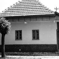 Népi lakóházak, podsztyenás házak VIII. – Műemlék házak a Szigetvári utcában