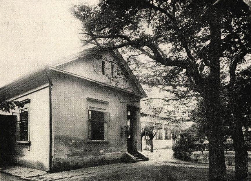 kórházudvar1929.jpg