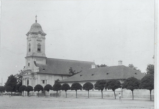 Békéscsaba, Régi római katolikus templom és plébánia1.jpg