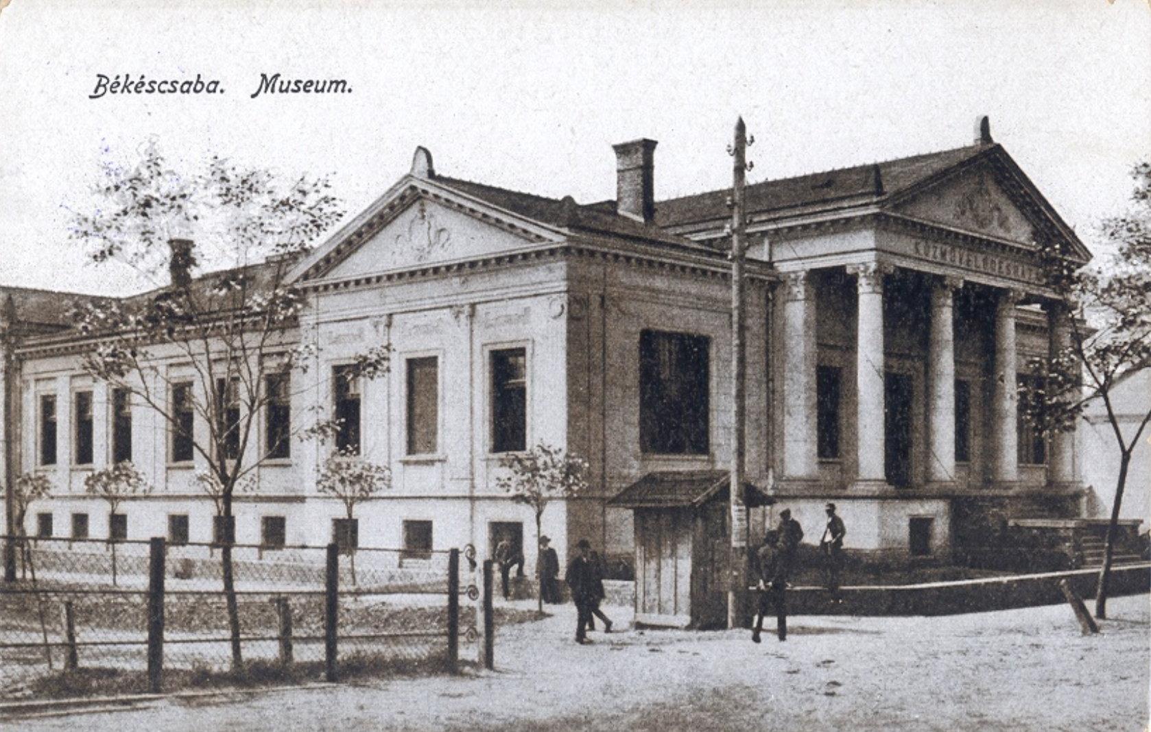 muzeum10esevek.jpg