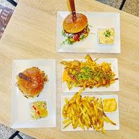 Burger Mustra #154 - Johnny's Bar & Burger, Albertirsa