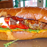 HamHotBurDogger - hamburger és hot dog brutális összeolvadása a Don Pepénél