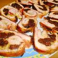 Aszalt szilvával töltött, baconbe göngyölt pulykamell