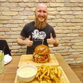Burger kihívás a Coral Cafe & Bistroban!