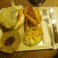 Burger Mustra #83 - Nyugi, Budapest