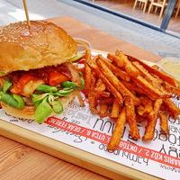 Zsivány Burger a Bamba Marha magyaros burger újdonsága