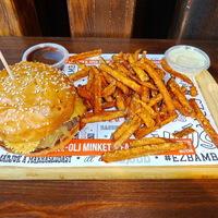 Az 5. Bamba Marha Burger Bar nyitotta meg kapuit az Astorián!