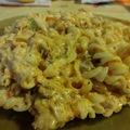 Kolbászos-baconös sajtos tészta