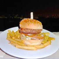 Burger Mustra #153 - Holiday Inn Bur Dubai, Dubaj