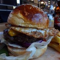 Burger Mustra #67 - Selfie Grill & Bar, Budapest