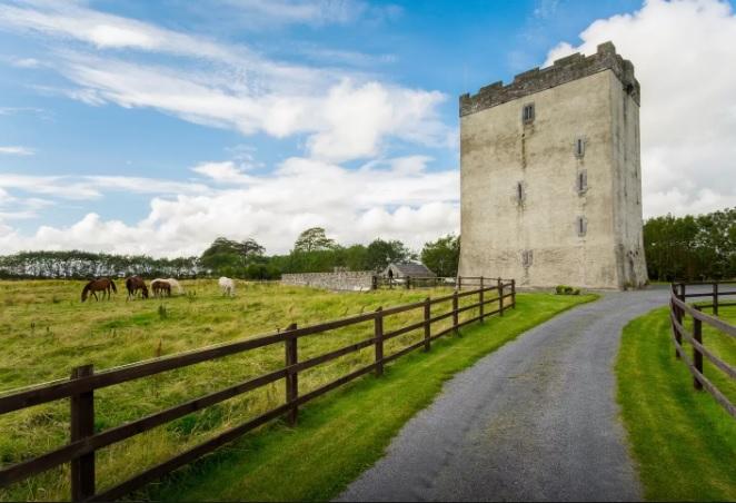 Írországból gyönyörű ódon vár