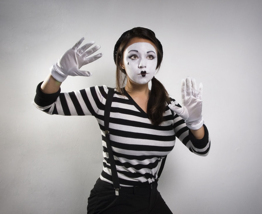 the-travelearner-mime-activite-touristique.jpg