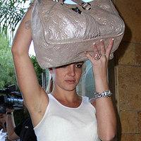 Britney, kérlek...