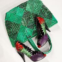 Fonott és színes kiegészítők a Bottega Venetától