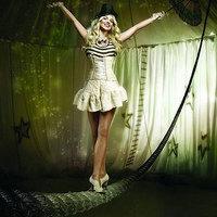 Britney újra cirkuszol