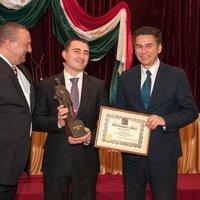 Újabb 5 milliót szórt el a csepeli Fidesz a kettős állampolgárság propagandájára