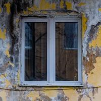 Milliók nyomorognak lepusztult otthonokban