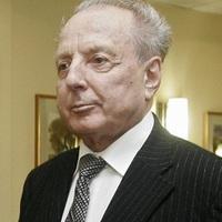 Elhunyt Kapolyi László