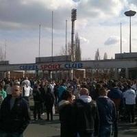Miért kell tengődnie a csepeli focinak, ha másnak határtalanul ömlik a pénz?