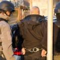 Tizenkét kormánytisztviselőt vettek őrizetbe egy vesztegetési ügy miatt