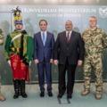 Most szép lenni katonának, mert Orbánnak verbuválnak...