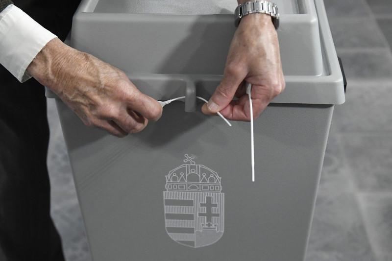 valasztas_szavazo_urna.jpg