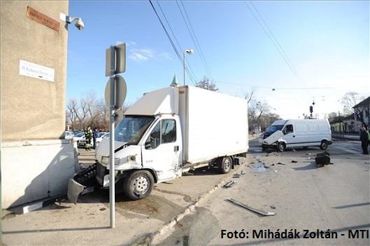 Rendőrségi baleset.jpg