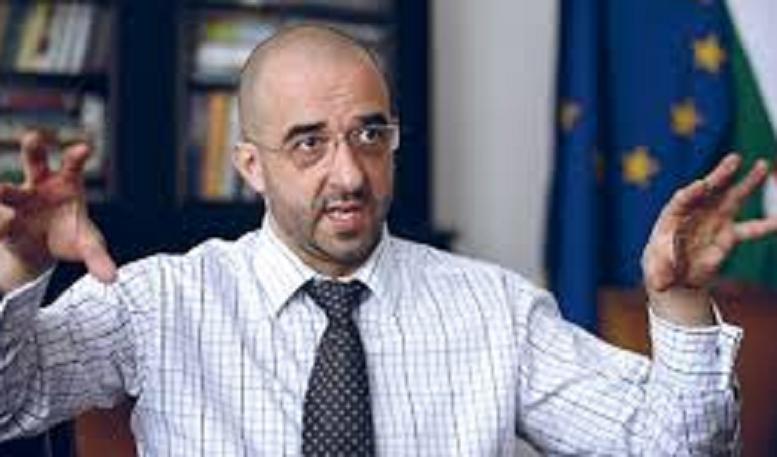 kovacs_zoltan-allamtitkar-777.png