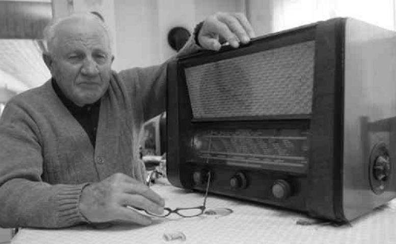 szer_szabad_europa_radio_regi_radio_vilagvevos.PNG
