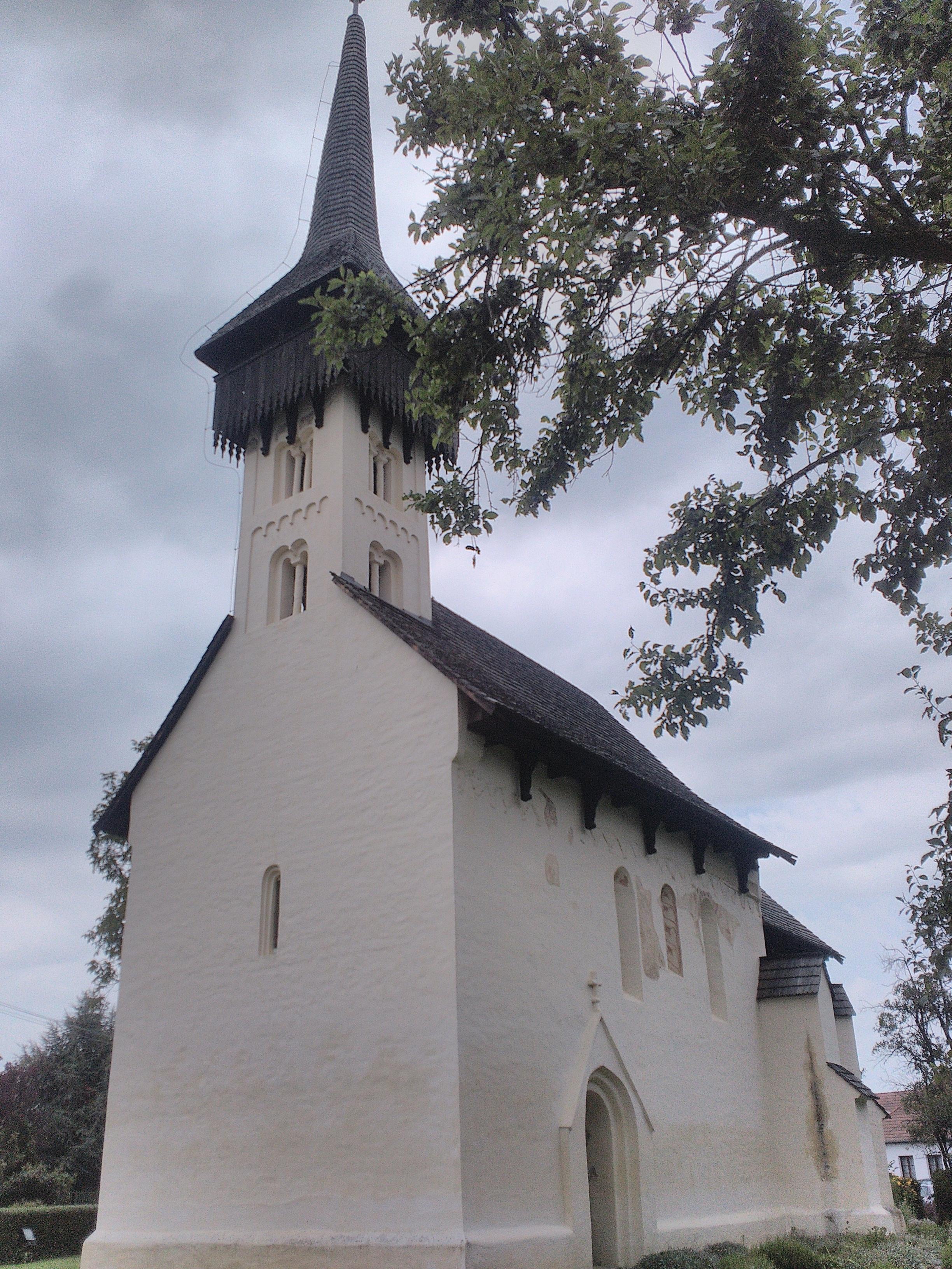 a templom, kívülről