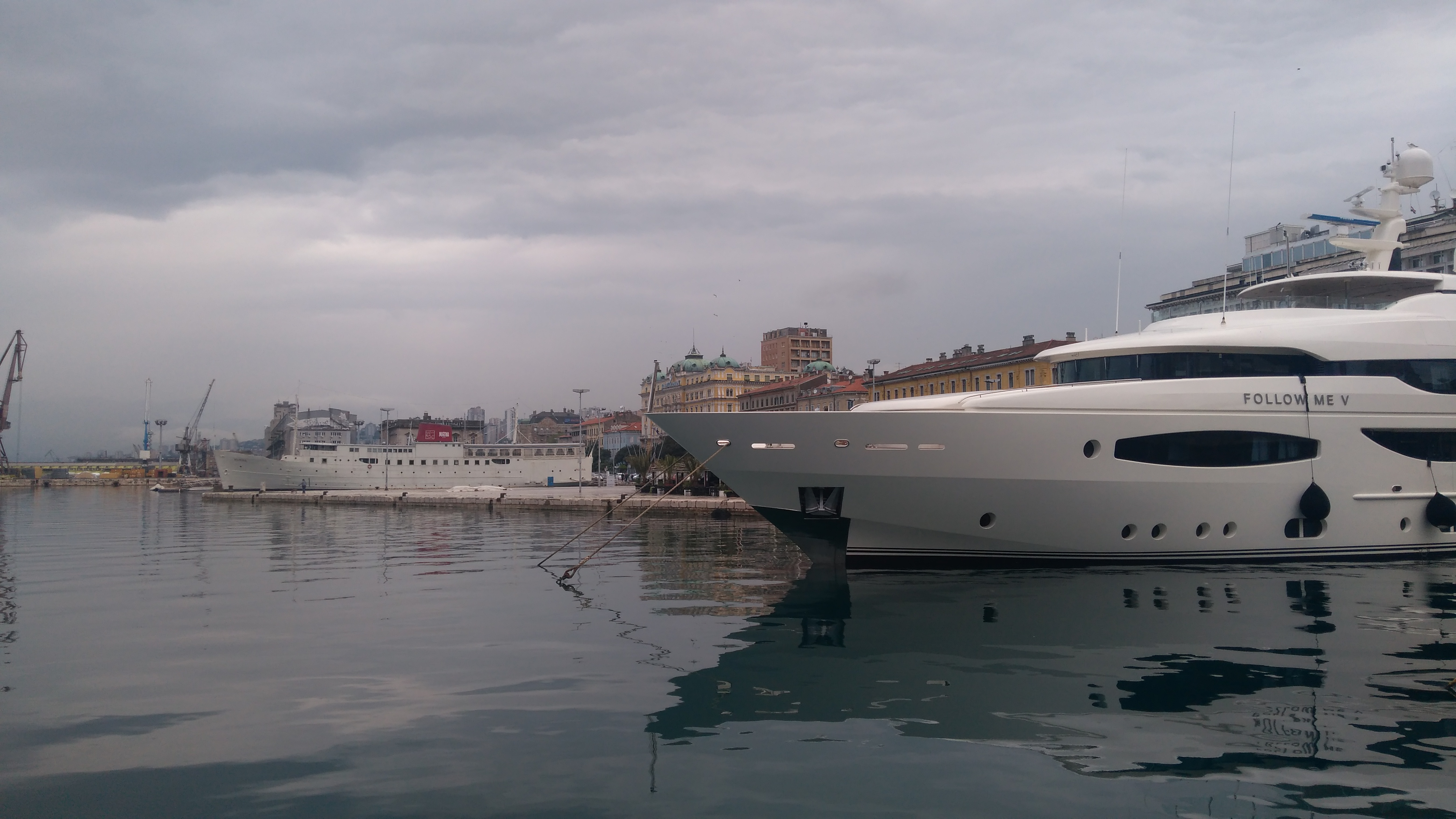 hajók a kikötőben