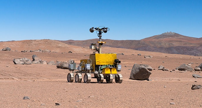 800px-mars_rover_being_tested_near_the_paranal_observatory.jpg