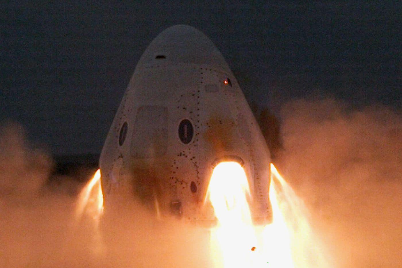crew-dragon-static-fire-test.jpg
