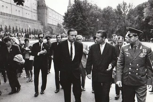 neil-armstrong-in-the-ussr.jpg