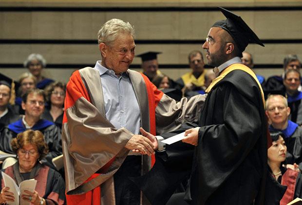 kovacs-zoltan-ceu-soros-diploma-amerikai.jpg