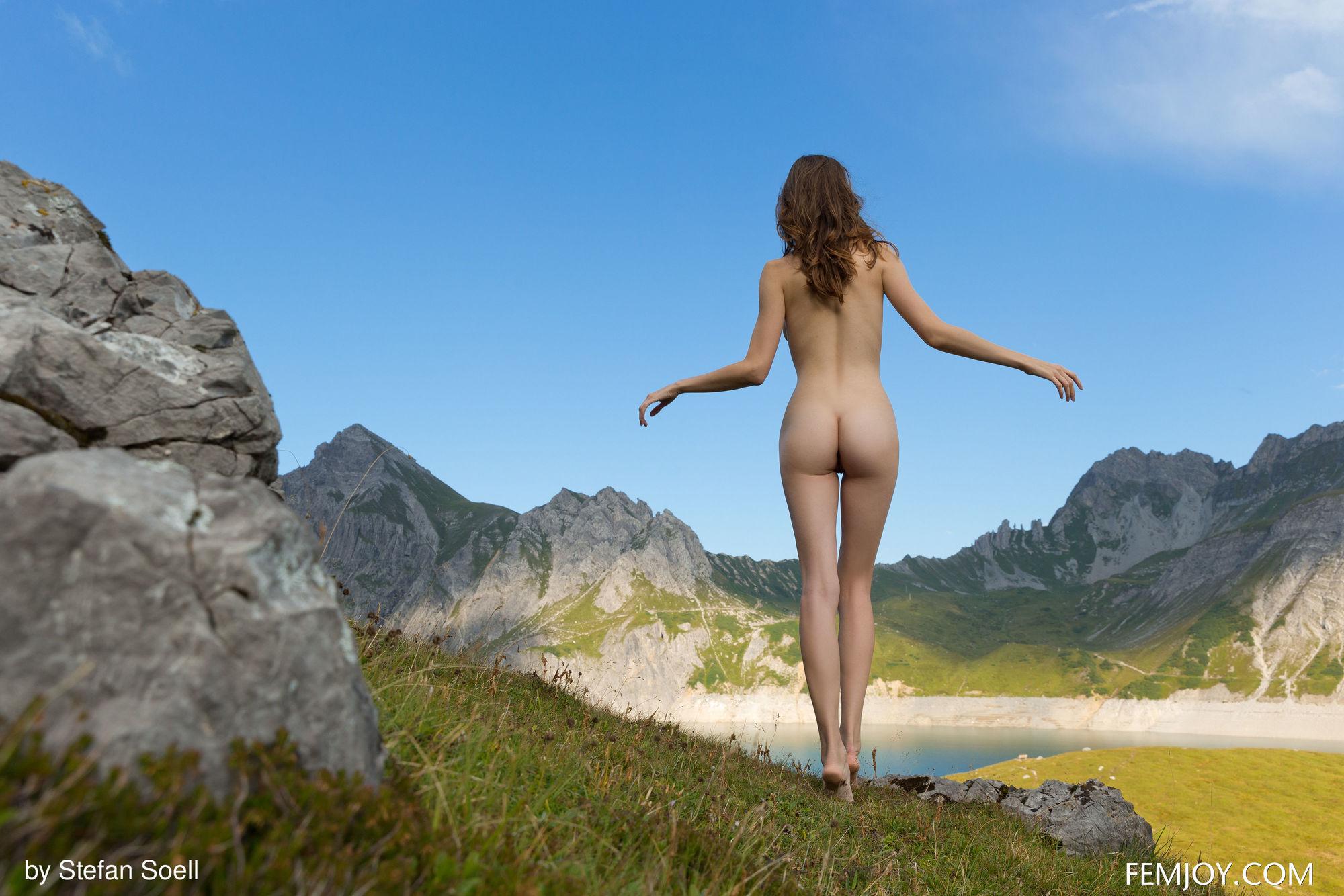 голые на фото частное в горах - 10