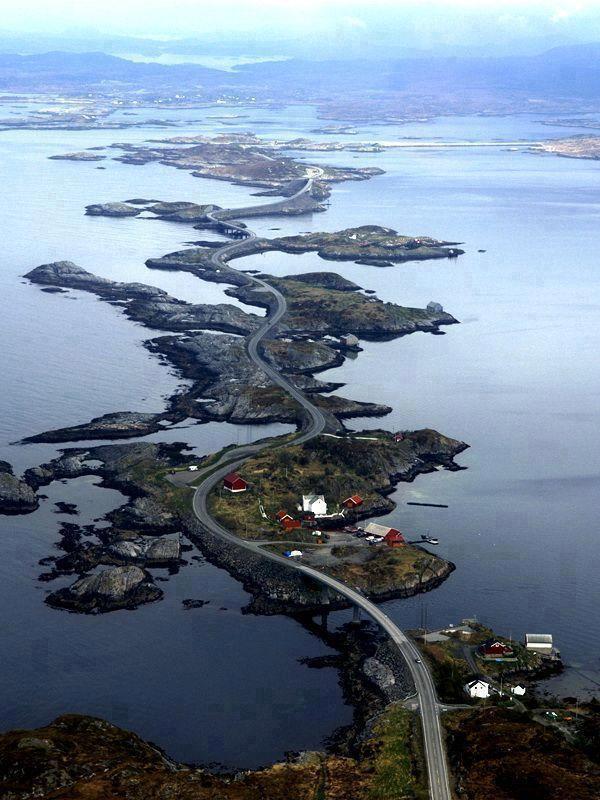 atlantic-ocean-road-in-norway-or-atlanterhavsveien-42-.jpg