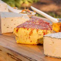 Miből készülhet a vegán sajt?